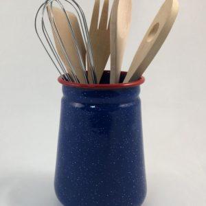 Βάζο εμαγιέ μπλε με εργαλεία μαγειρικής