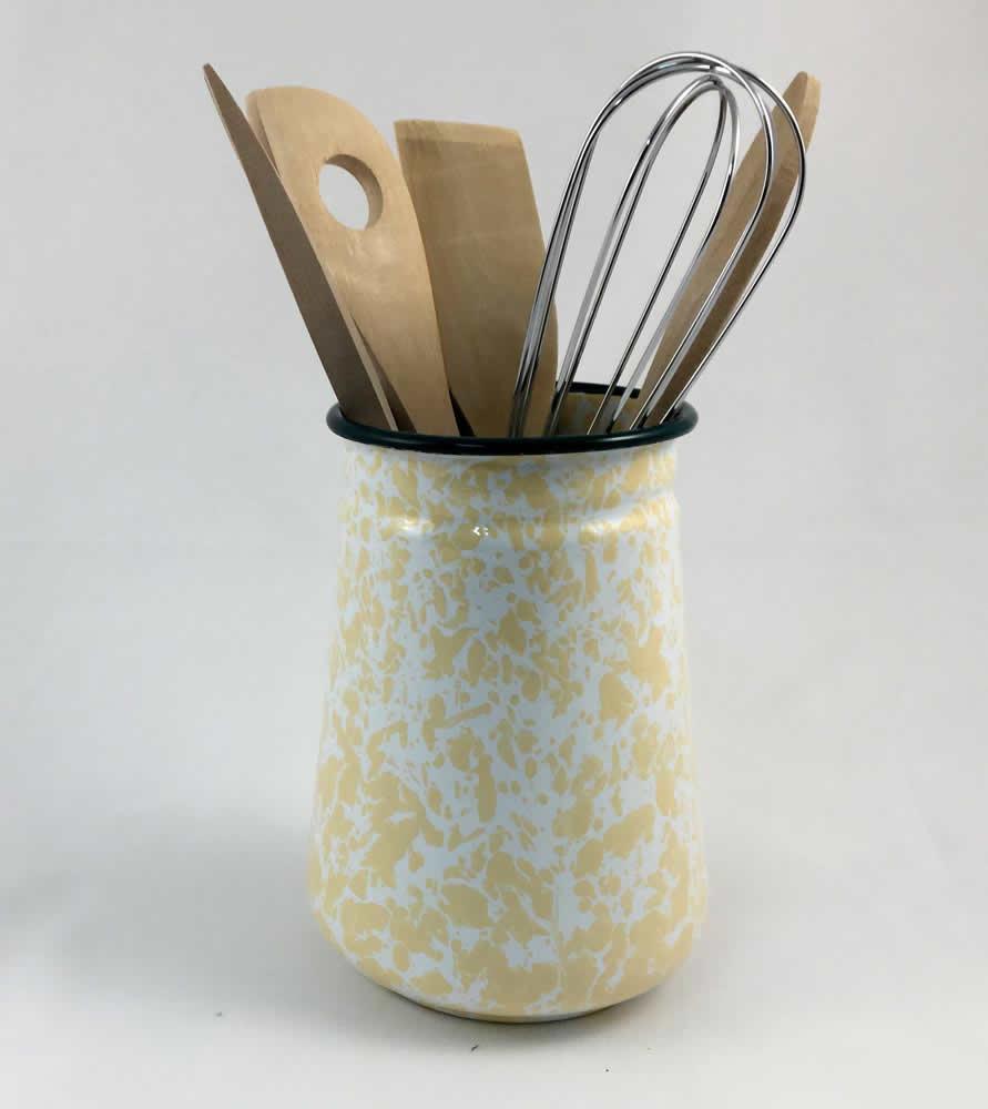 Βάζο εμαγιέ κίτρινο με εργαλεία μαγειρικής