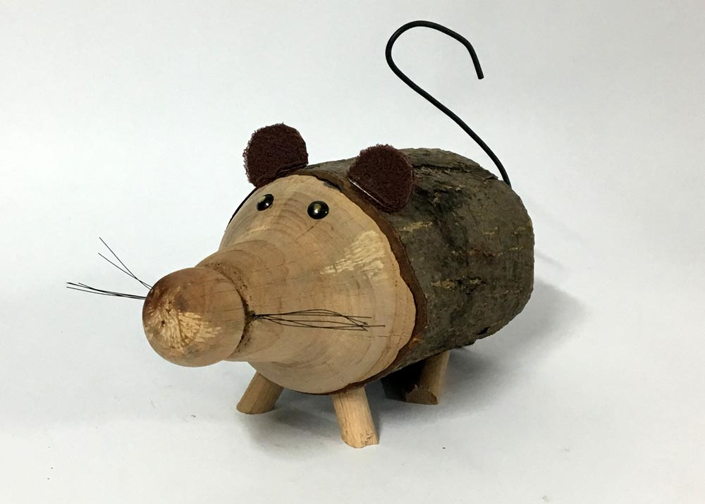 Ποντίκι ξύλινο -κουμπαράς